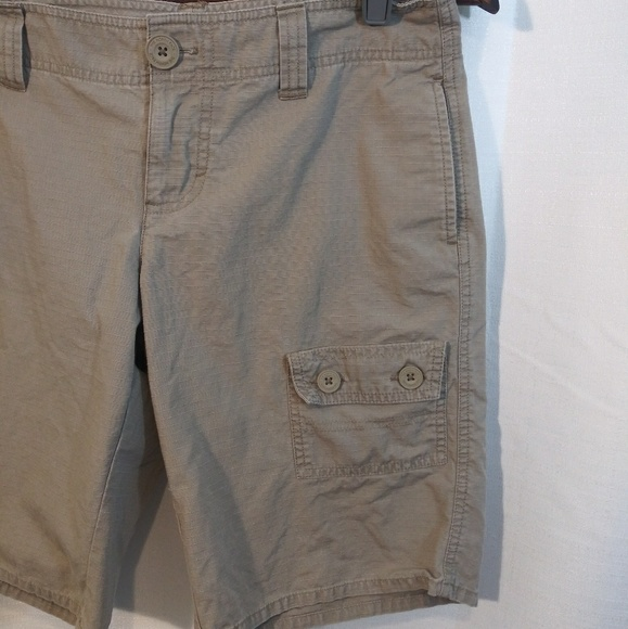 The North Face Pants - The North Face Women's Long Short. Sz 6